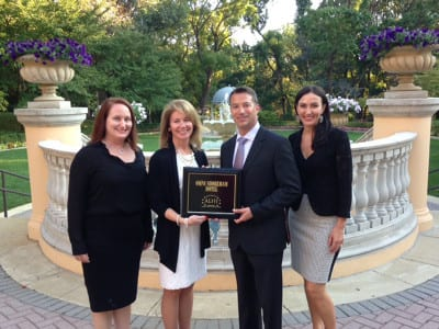 ALHI presents plaque to Omni Shoreham Hotel