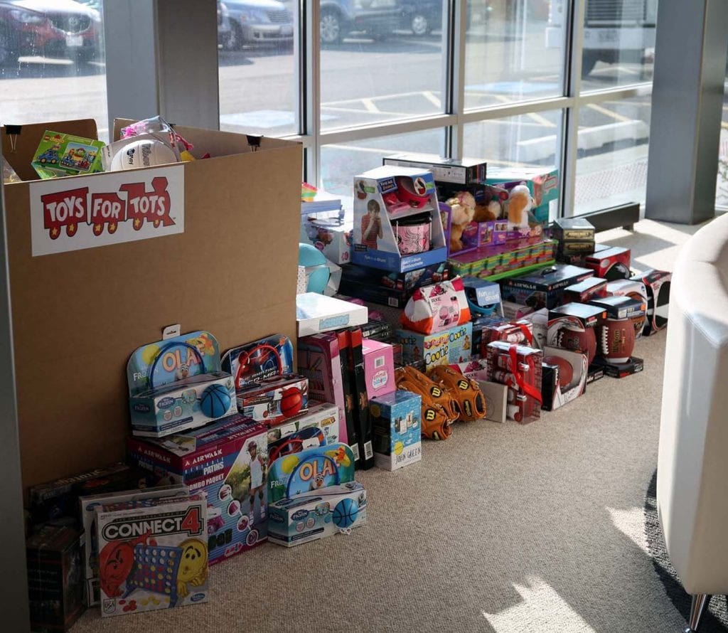 Toys For Tots 2014 Application : Orbus donates to toys for tots exhibit city news