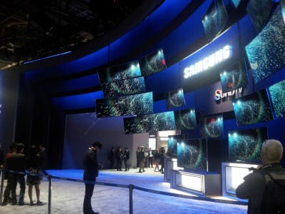 Samsung choreographed multiple 4K TVs to represent pixels of one larger image.