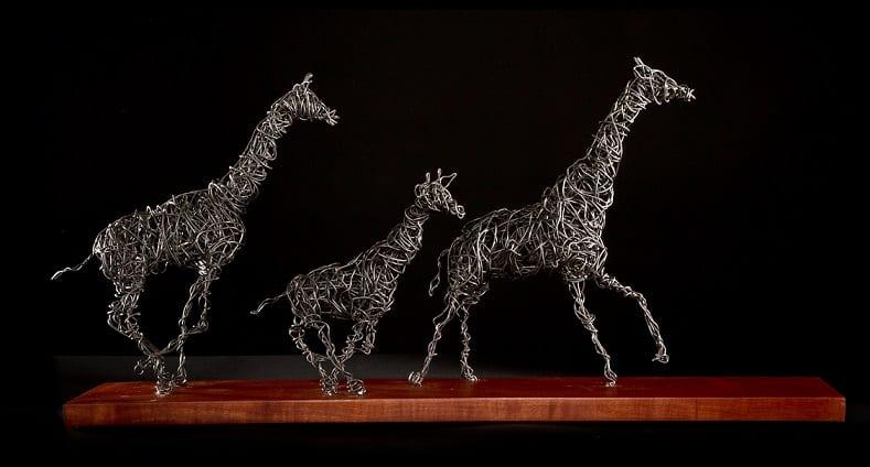 ECN 032015_FTR_EXHIBITORLive's got talent_Mark Holme_giraffe-(web)