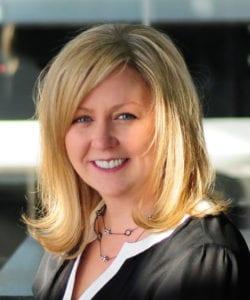 Heather Rosenow headshot
