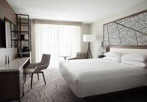 Orlando Airport Marriott Unveils Modern Guest Room Transformation with Open Floor Plans