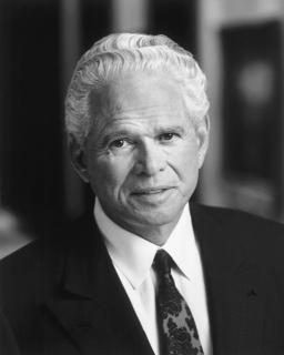 John Teets, former industry leader, dies at 77