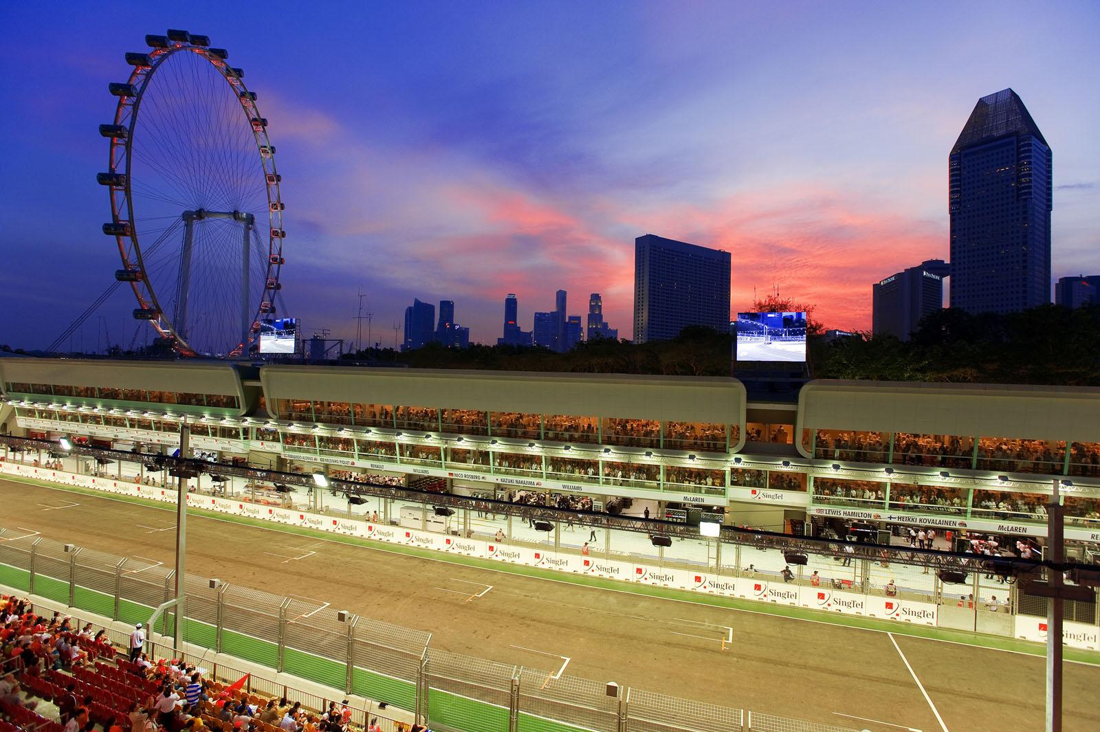 ecn_072013_iconic_events-formula_one_grand_prix_singapore