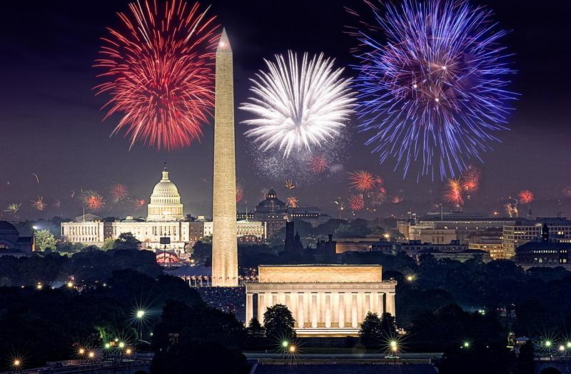 ecn_072013_white_house_fireworks